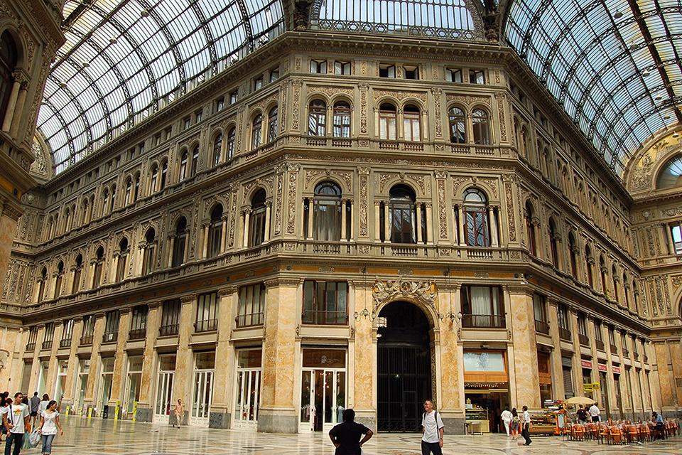 Napoli_-_Galleria_Umberto_I_-_small